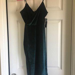 Lulu's Emerald green midi dress